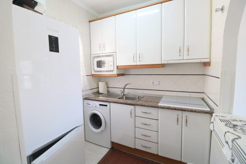 2 Bedrooms Apartment for Sale in Torrevieja Near Los Naufragos Beach (7)