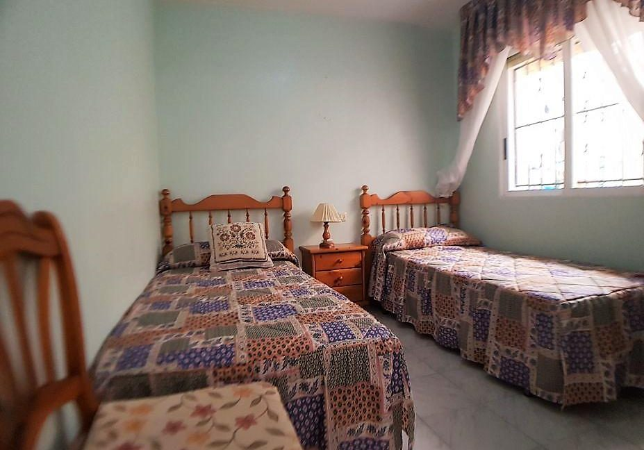 2 Bedrooms Bungalow Close to The Beach (10)
