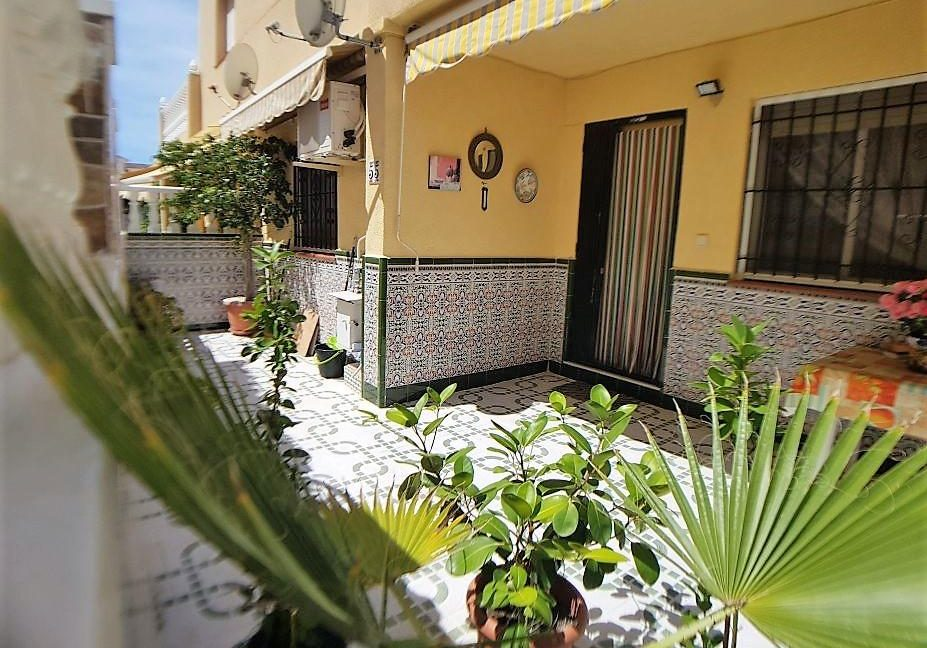 2 Bedrooms Bungalow Close to The Beach (4)