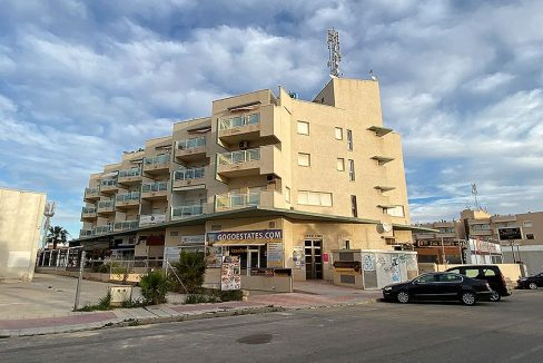 2 Bedrooms apartment for sale with parking and storagerooms in cabo roig