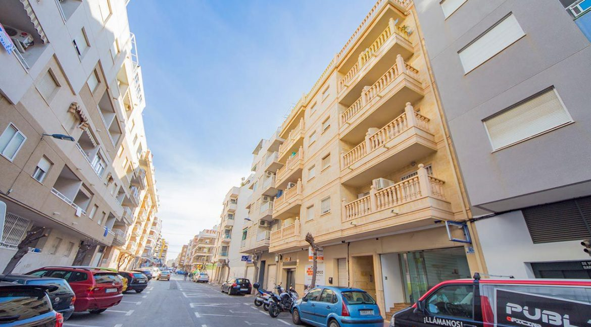 2 Bedrooms apartment in Torrevieja (1)