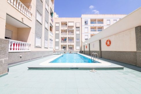 2 bedrooms apartment for sale in Torrevieja (1)