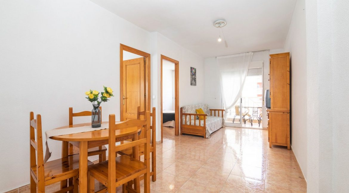 2 bedrooms apartment for sale in Torrevieja (2)