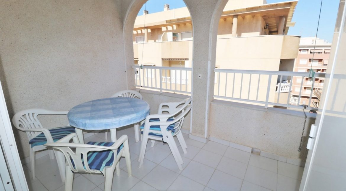2 bedrooms apartment for sale near the beach (10)