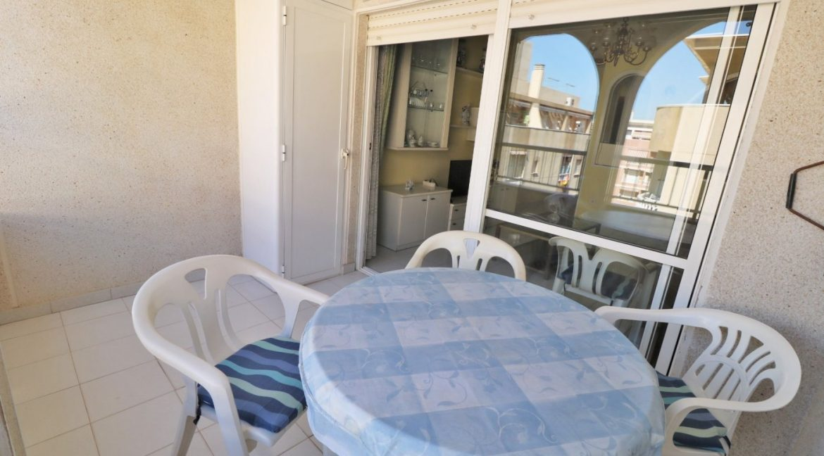2 bedrooms apartment for sale near the beach (11)