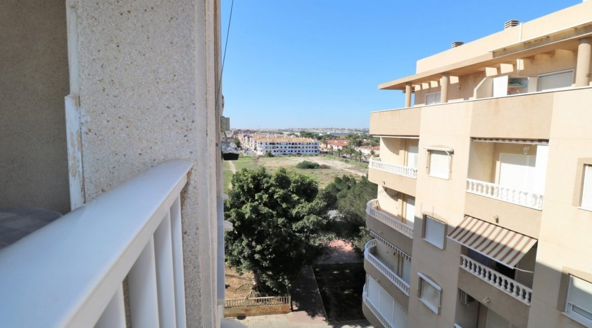 2 bedrooms apartment for sale near the beach (12)