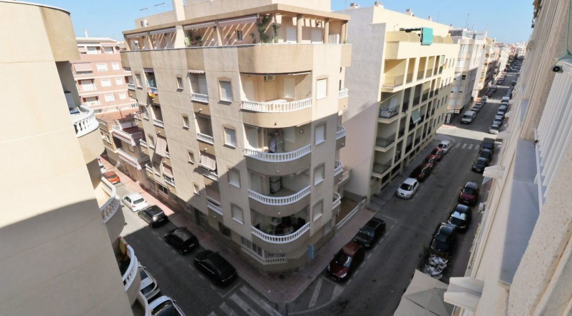 2 bedrooms apartment for sale near the beach (13)
