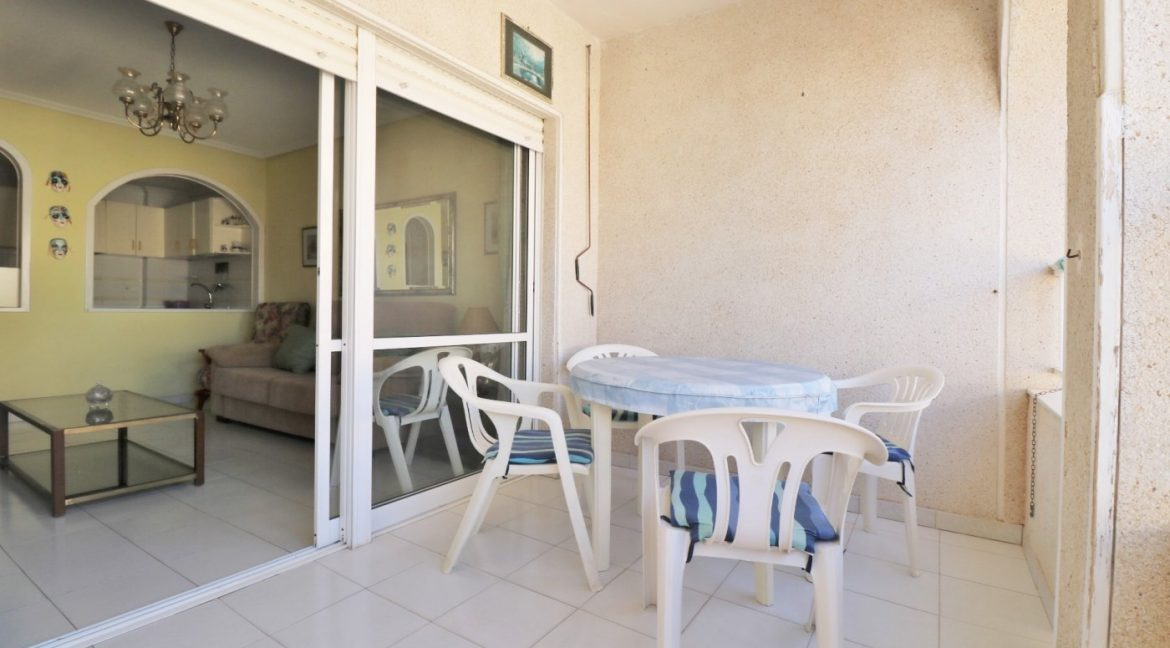 2 bedrooms apartment for sale near the beach (2)
