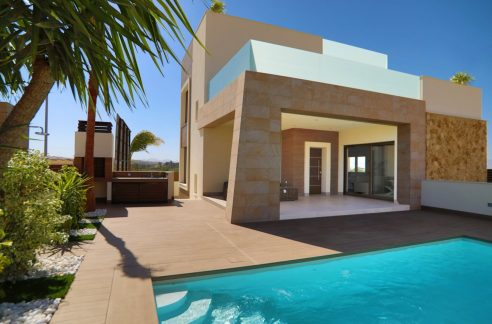 3 Bedrooms Luxury Villa Close to Guardamar Beach