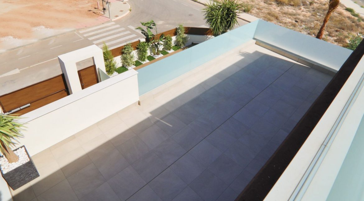 3 Bedrooms Luxury Villa Close to Guardamar Beach (33)