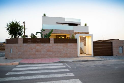3 Bedrooms Luxury Villa Close to Guardamar Beach (45)