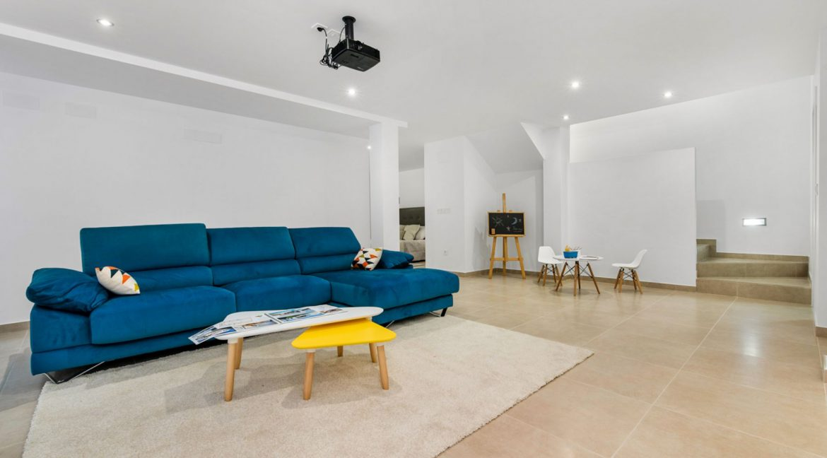 3 Bedrooms Villa For Sale In Rojales Close To The Golf Course (12)