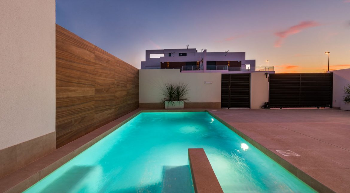 3 Bedrooms Villa For Sale In Rojales Close To The Golf Course (4)