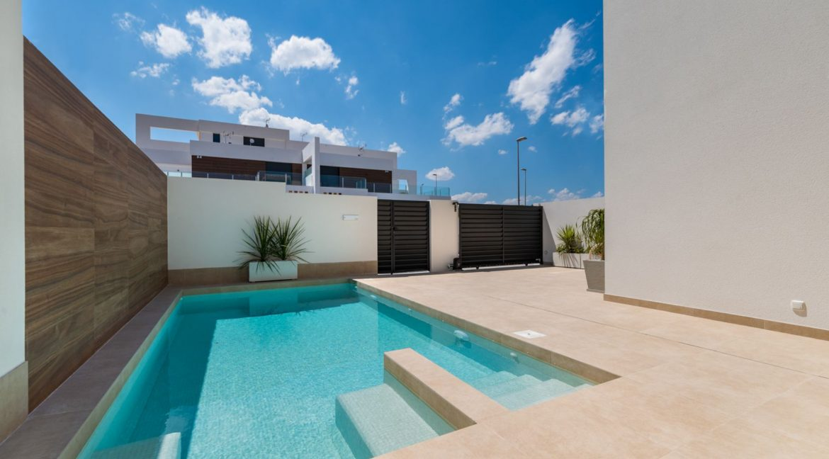3 Bedrooms Villa For Sale In Rojales Close To The Golf Course (7)