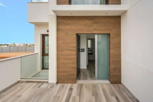 3 Bedrooms Villa with Basement In Torrevieja (41)