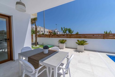 3 Bedrooms Villas For Sale with Swimming Pool in Torre de la Horadada (11)
