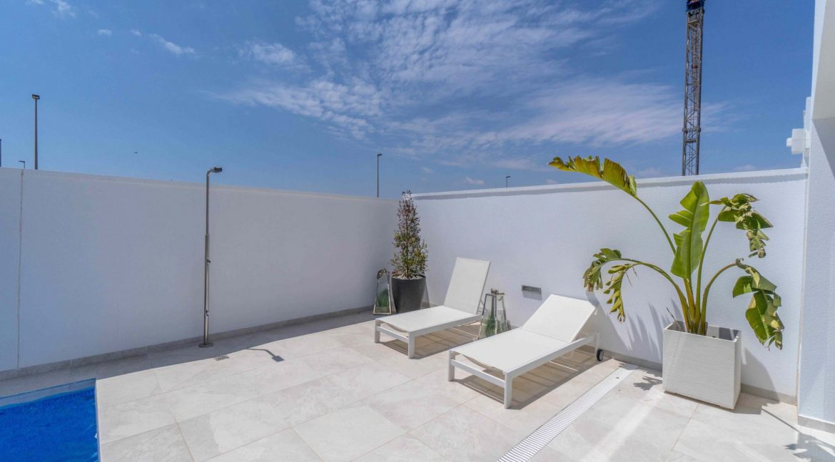 3 Bedrooms Villas For Sale with Swimming Pool in Torre de la Horadada (13)