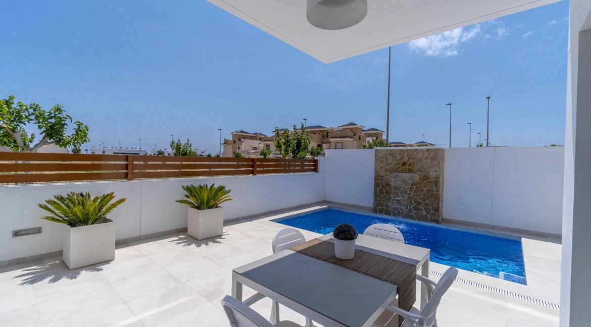 3 Bedrooms Villas For Sale with Swimming Pool in Torre de la Horadada (14)