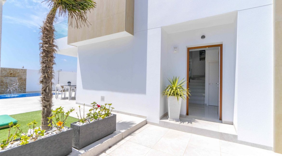 3 Bedrooms Villas For Sale with Swimming Pool in Torre de la Horadada (15)