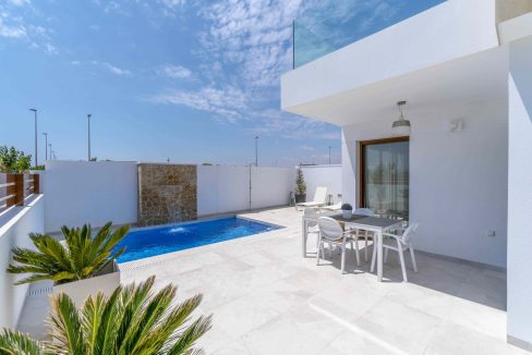 3 Bedrooms Villas For Sale with Swimming Pool in Torre de la Horadada (16)