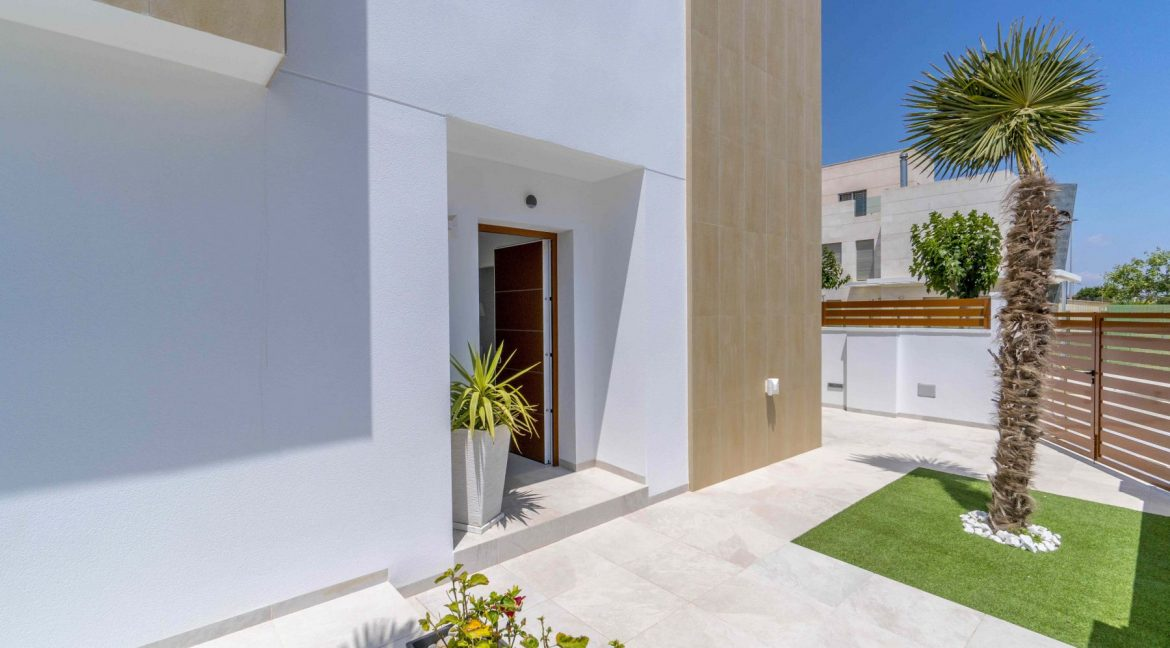 3 Bedrooms Villas For Sale with Swimming Pool in Torre de la Horadada (17)