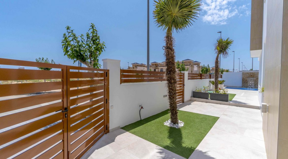 3 Bedrooms Villas For Sale with Swimming Pool in Torre de la Horadada (18)