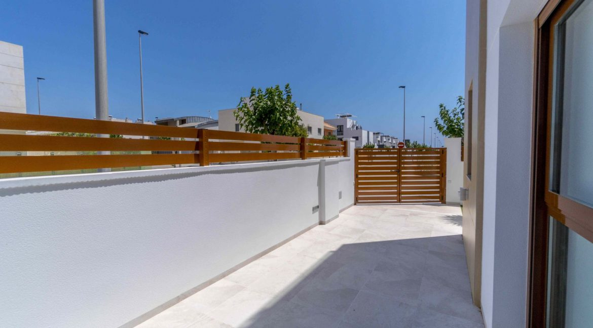 3 Bedrooms Villas For Sale with Swimming Pool in Torre de la Horadada (19)