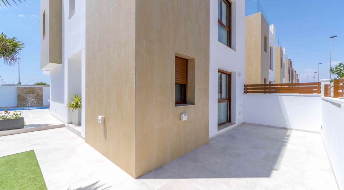 3 Bedrooms Villas For Sale with Swimming Pool in Torre de la Horadada (21)