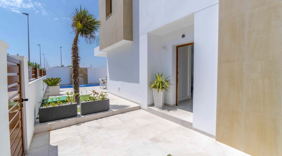 3 Bedrooms Villas For Sale with Swimming Pool in Torre de la Horadada (22)