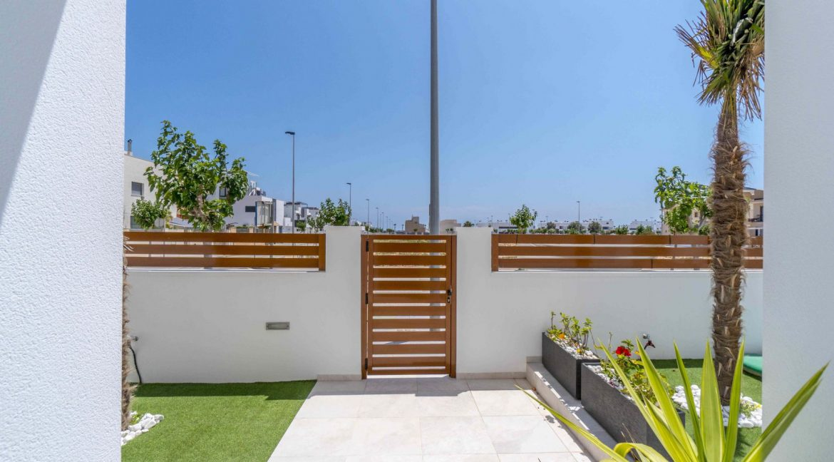 3 Bedrooms Villas For Sale with Swimming Pool in Torre de la Horadada (23)