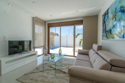 3 Bedrooms Villas For Sale with Swimming Pool in Torre de la Horadada (29)