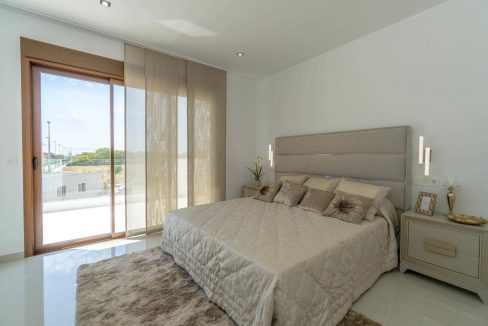 3 Bedrooms Villas For Sale with Swimming Pool in Torre de la Horadada (48)