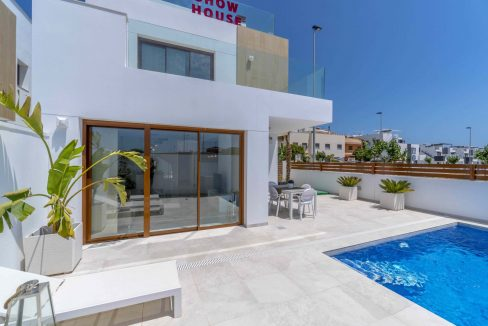 3 Bedrooms Villas For Sale with Swimming Pool in Torre de la Horadada (6)