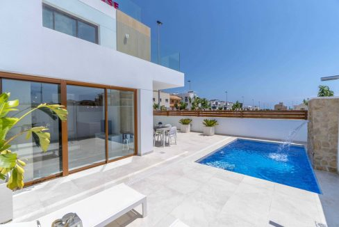 3 Bedrooms Villas For Sale with Swimming Pool in Torre de la Horadada (7)