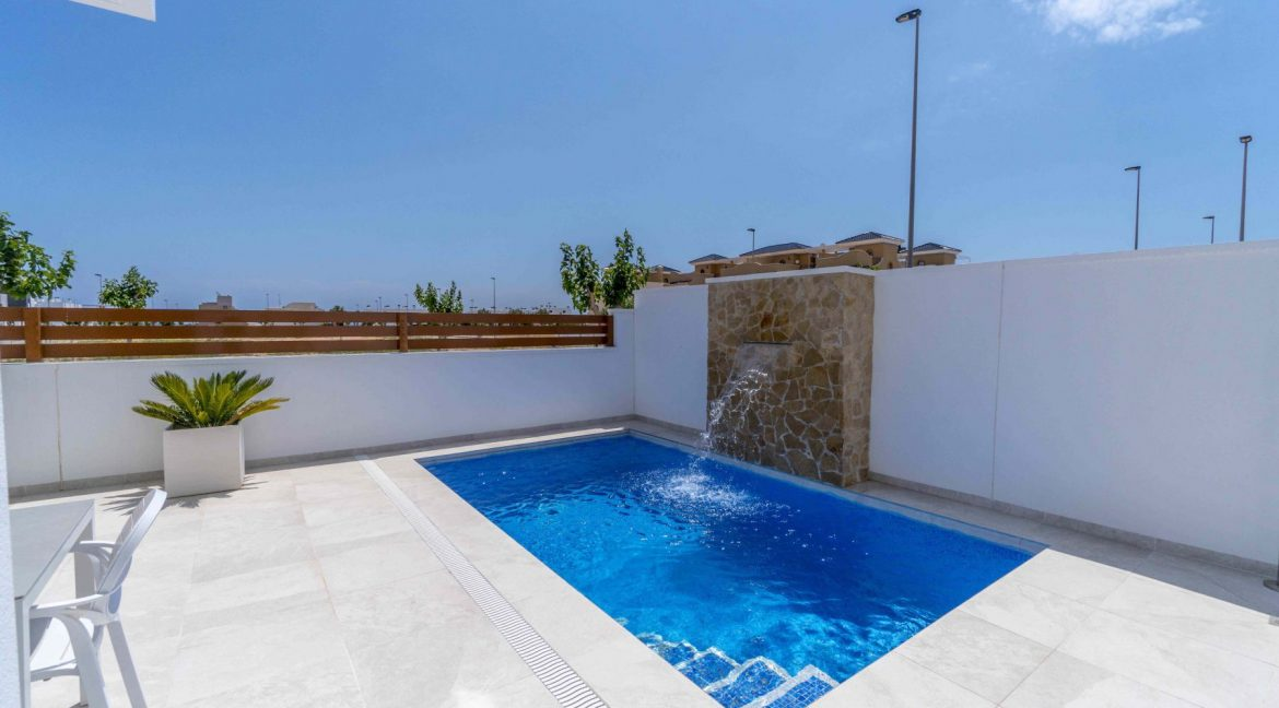 3 Bedrooms Villas For Sale with Swimming Pool in Torre de la Horadada (8)