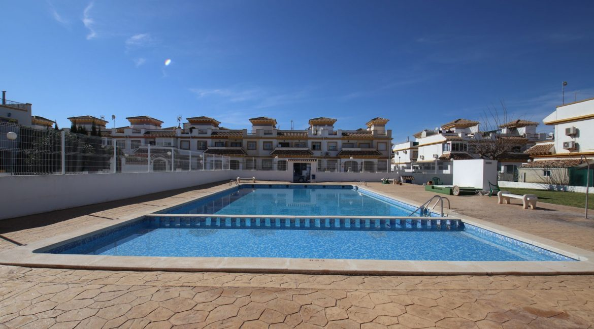 3 Bedrooms townhouse with parking for sale in Torrevieja (1)