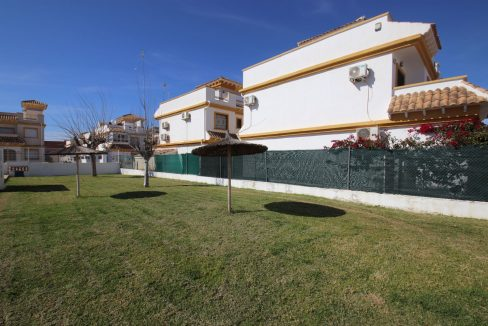 3 Bedrooms townhouse with parking for sale in Torrevieja (2)