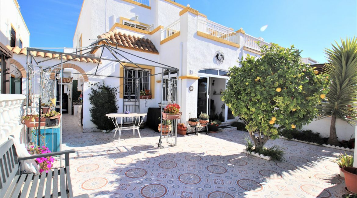 3 Bedrooms townhouse with parking for sale in Torrevieja (3)