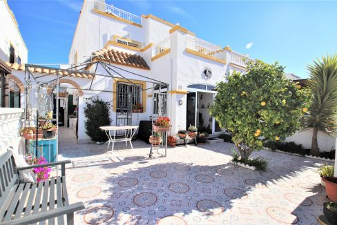 3 Bedrooms townhouse with parking for sale in Torrevieja