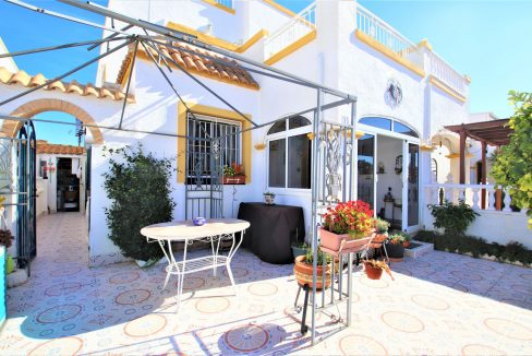 3 Bedrooms townhouse with parking for sale in Torrevieja (5)