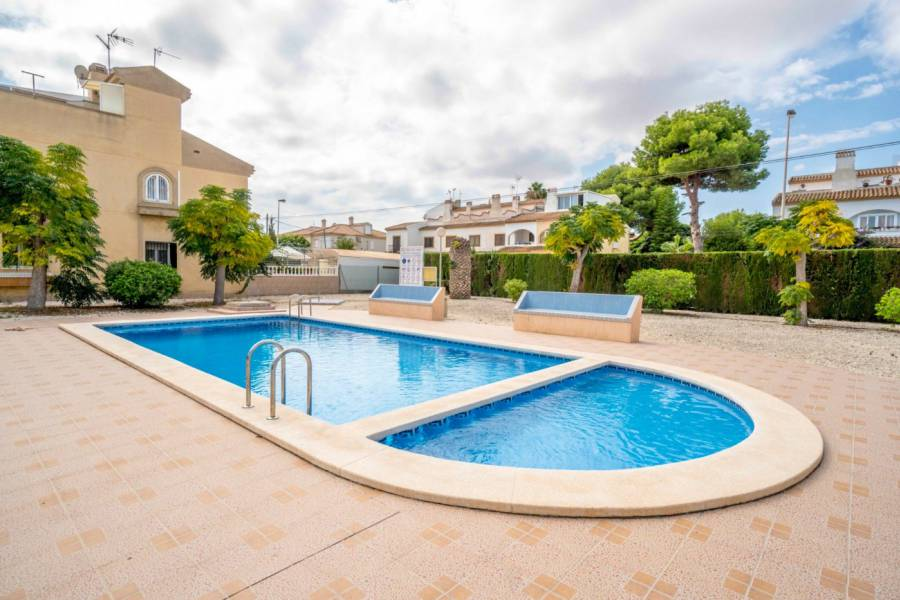 Duplex with 3 Bedrooms in Torrevieja