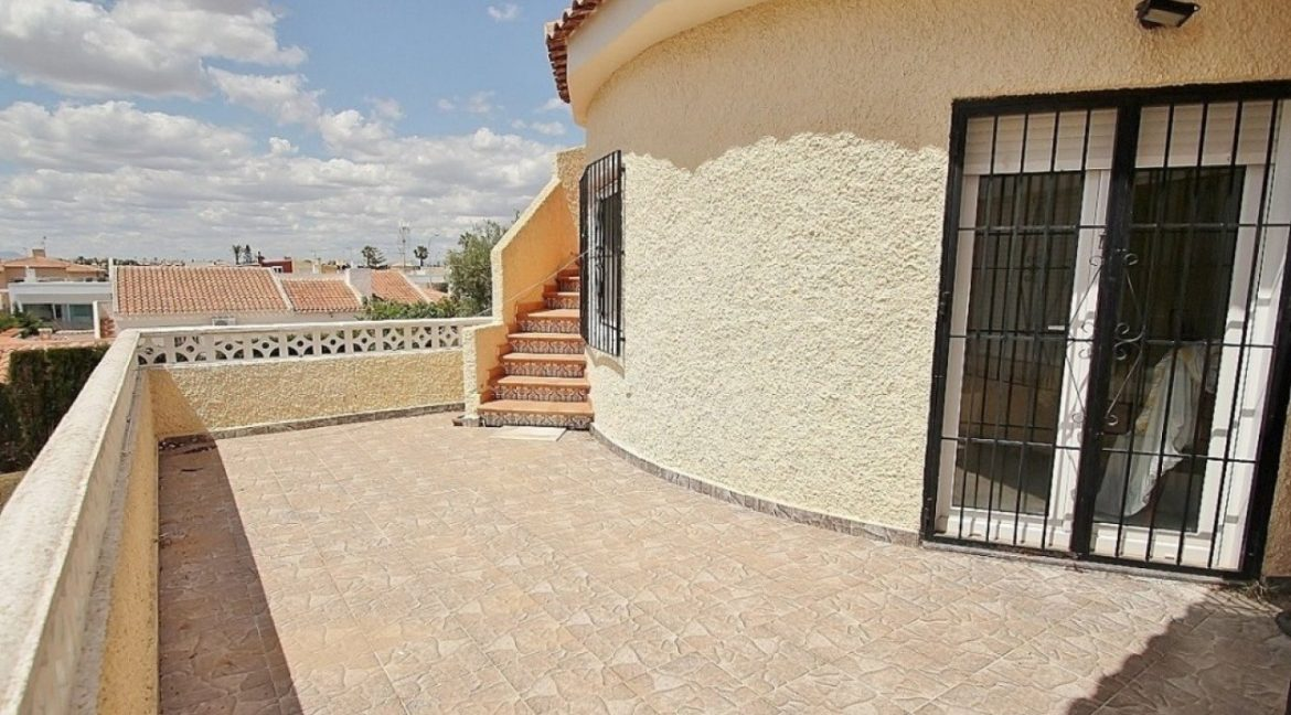 4 Bedrooms Villa For Sale in Torrevieja (9)