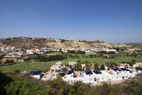 4 Bedrooms Villa on a large plot with Spectacular Golf Views For Sale (5)