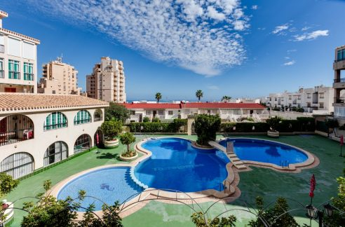 2 Bedrooms Apartment For Sale near La Mata beach