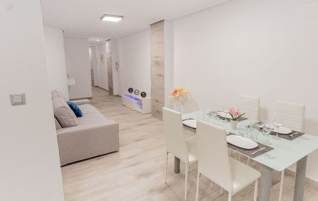 Apartment 2 Bedrooms in Torrevieja (1)