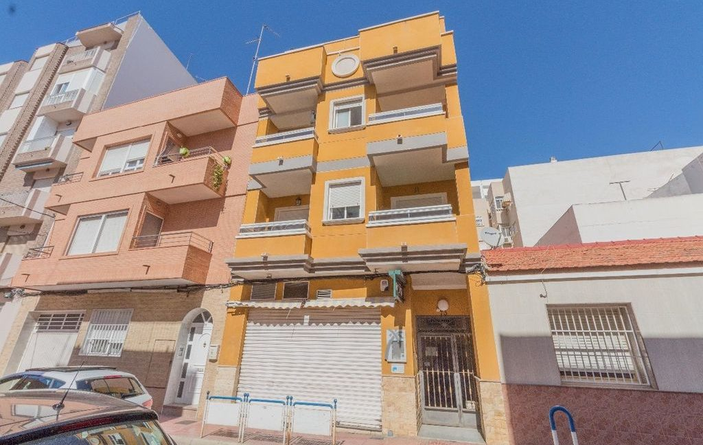 Apartment 2 Bedrooms in Torrevieja (2)