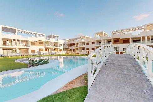 Luxury 2 And 3 Bedrooms Bungalows In Torrevieja With Swimming Pool (11)