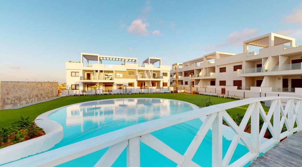 Luxury 2 And 3 Bedrooms Bungalows In Torrevieja With Swimming Pool (12)