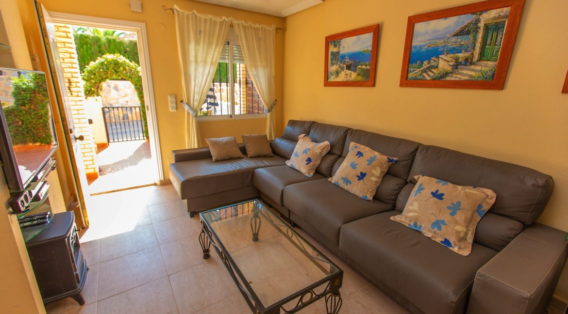 Townhouse With 3 Bedrooms Near the Punta Prima Beach (11)