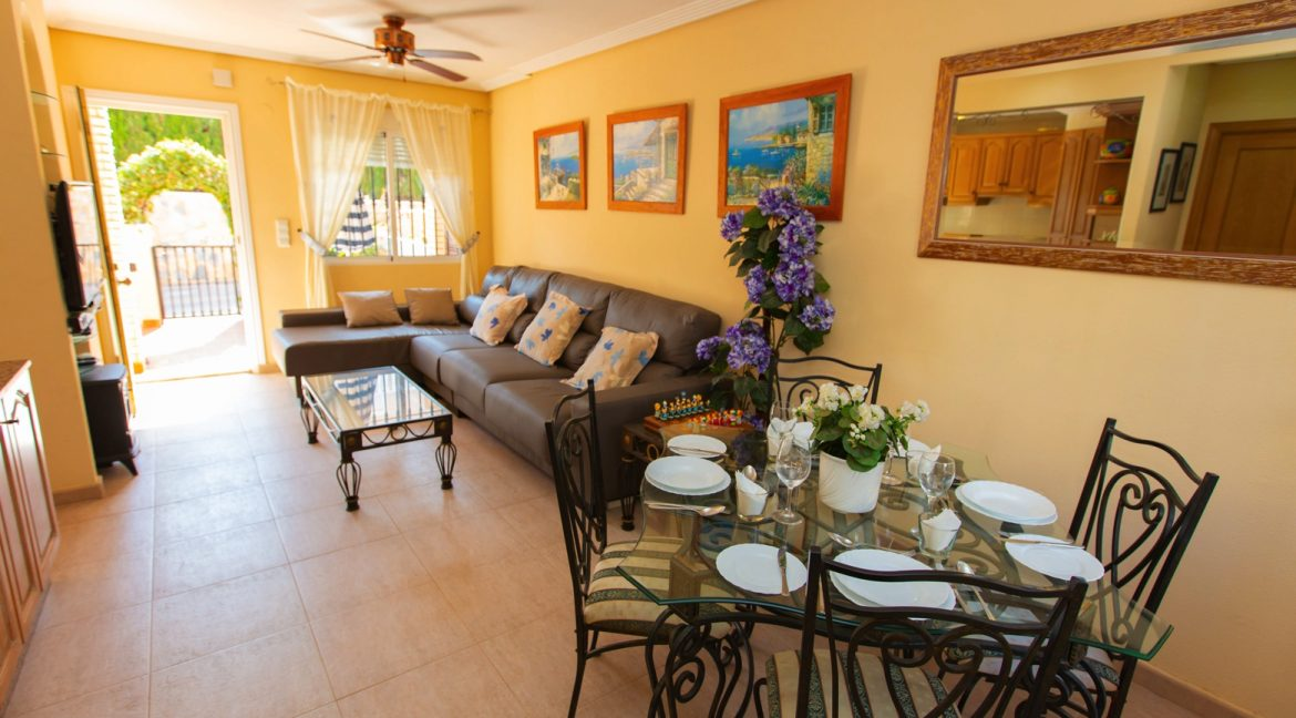 Townhouse With 3 Bedrooms Near the Punta Prima Beach (13)